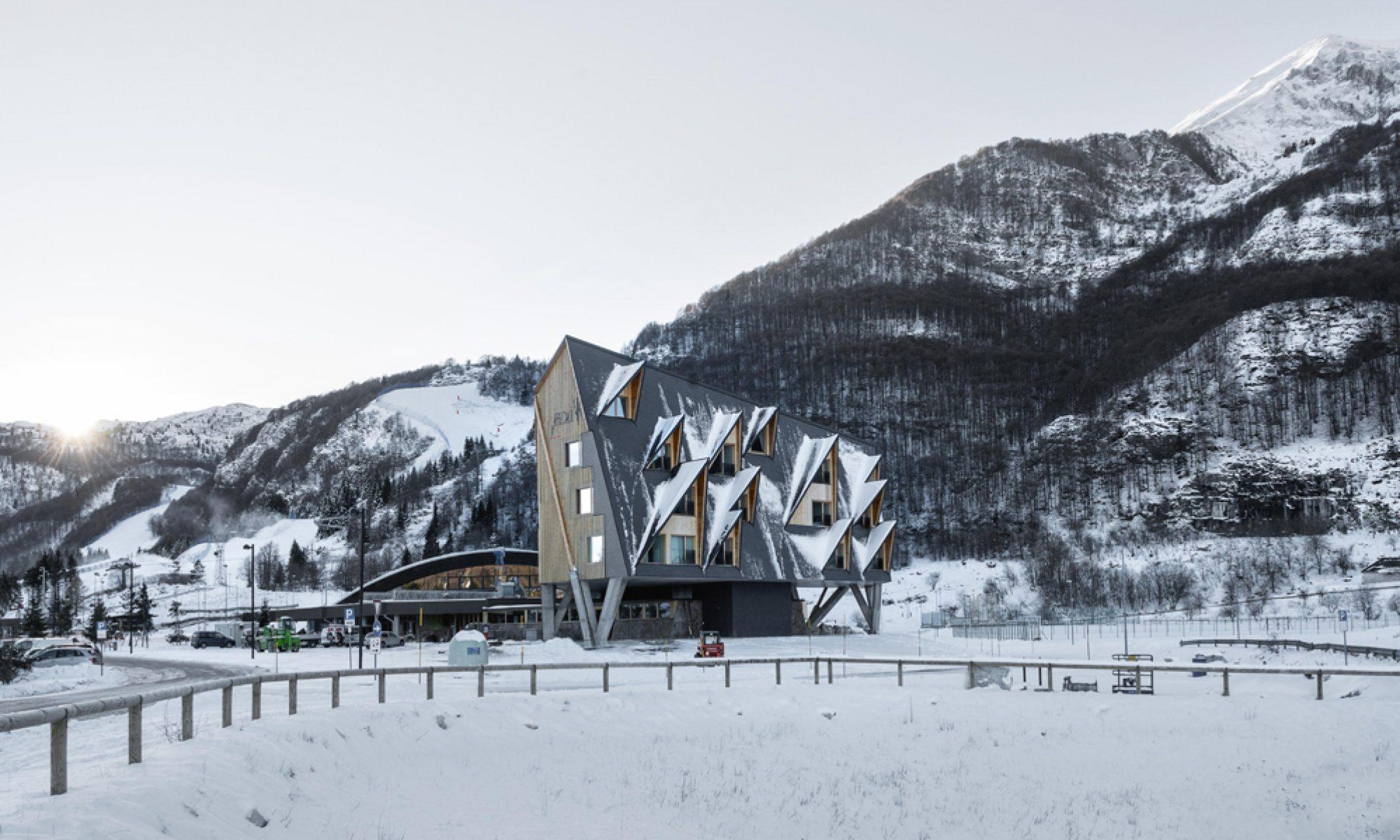 HOTEL 1301iNN – SLOWHORSE